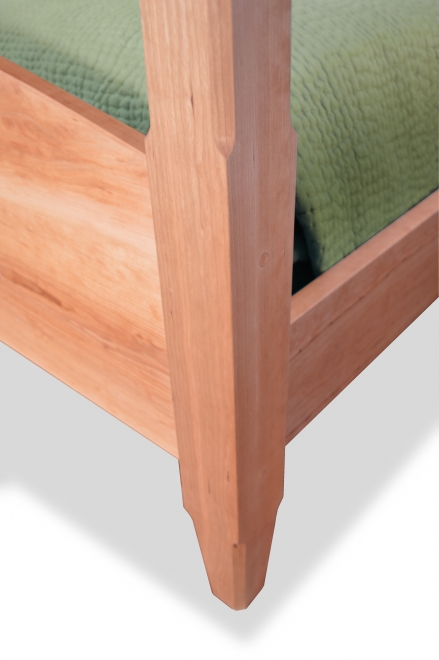 Bed Four Post Custom Cherry detail 2