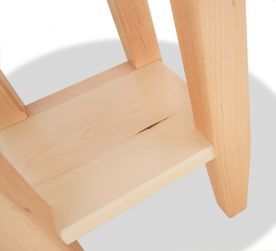 End Table Shaker Maple round top detail