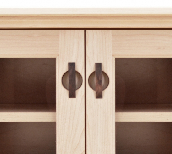 TV Console 1 with Glass Doors Shaker Maple detail 2