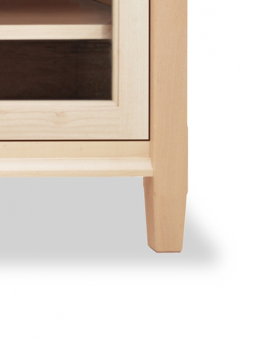 TV Console 1 with Glass Doors Shaker Maple detail 3