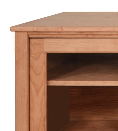 TV Console 2 Shaker Cherry detail 3