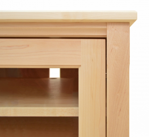 TV Console 2 Shaker Maple detail 2