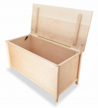 Blanket Chest Shaker Maple open