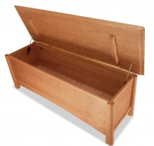 Blanket Chest Harvestmoon Cherry 60 inches detail